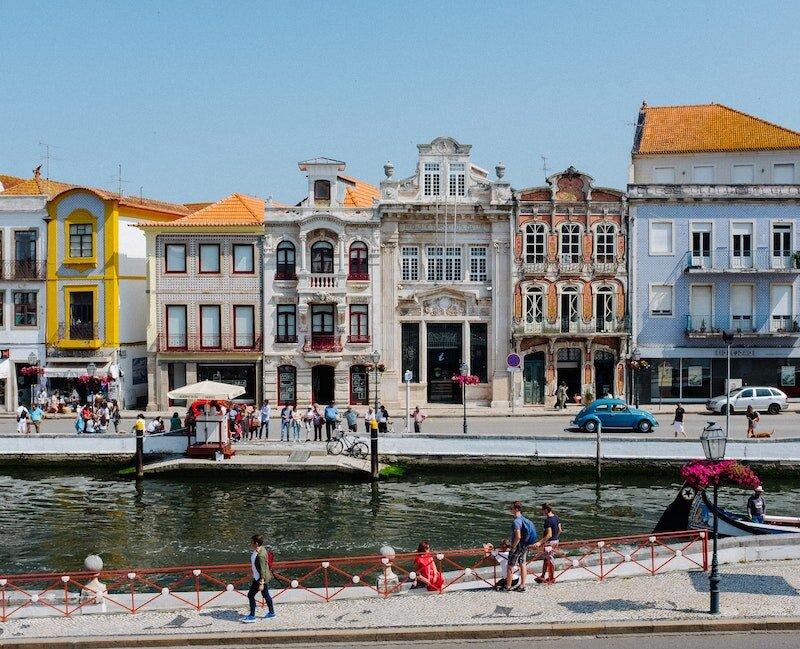 Aveiro-portugal-houses.jpeg