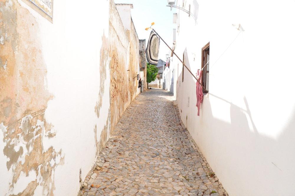 Back-streets-Tavira.jpg