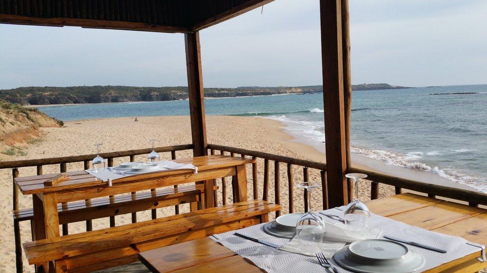 Beach-restaurants-portugal.jpg
