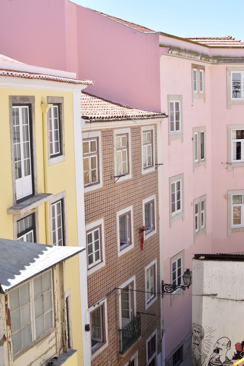Colourful-houses-Alfama-Lisbon.JPEG