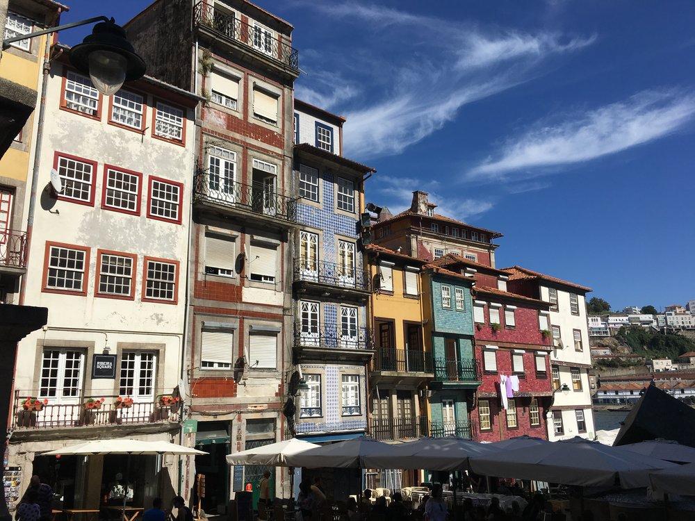 Colourful-houses-porto.jpg