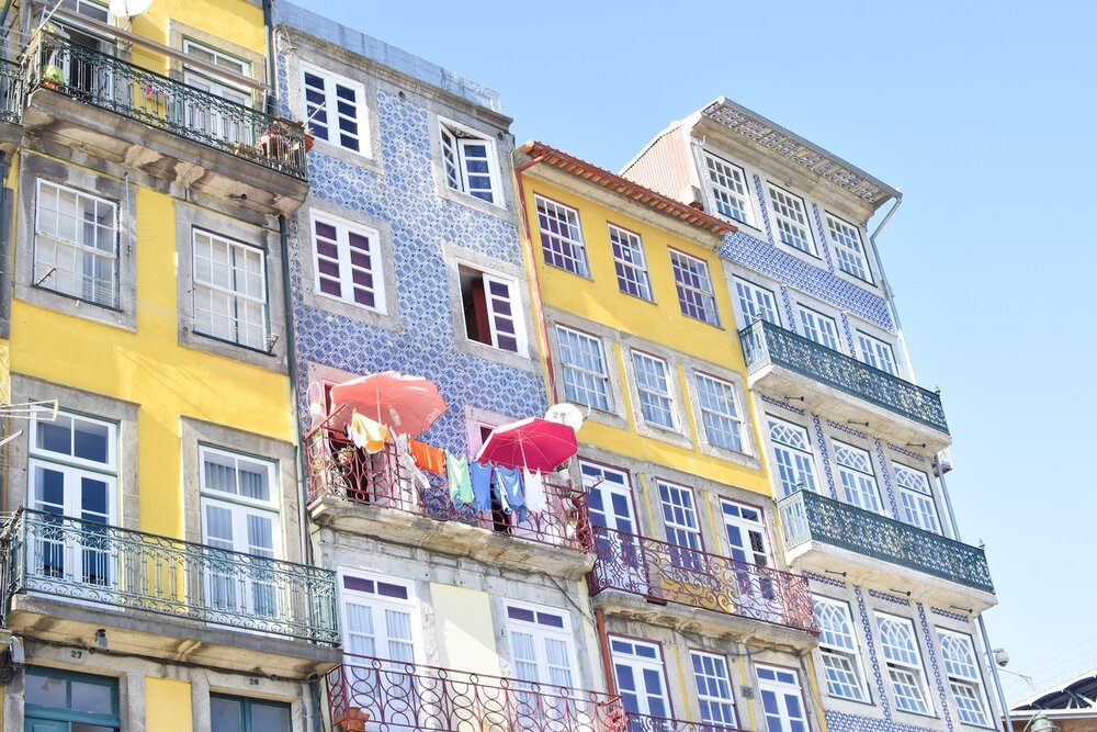 Colourful-houses-ribeira-porto.JPG