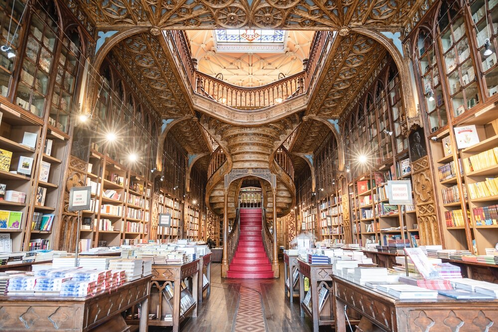 Livraria-Lello-staircase.jpg