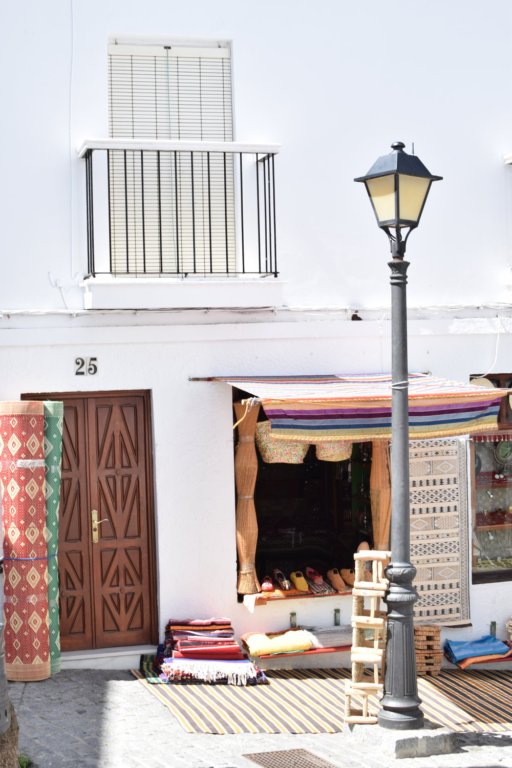 Moroccan-wares-in-Spain.jpg