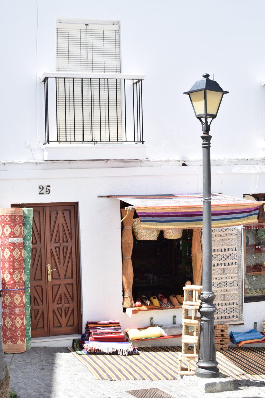 Moroccan-wares-in-Spain.jpg