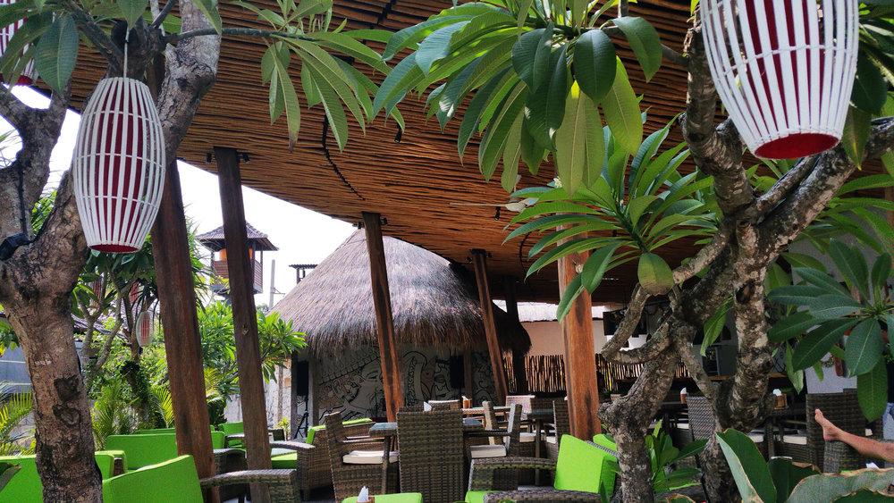 Nusa-Lembongan-cocktail-bar.jpg