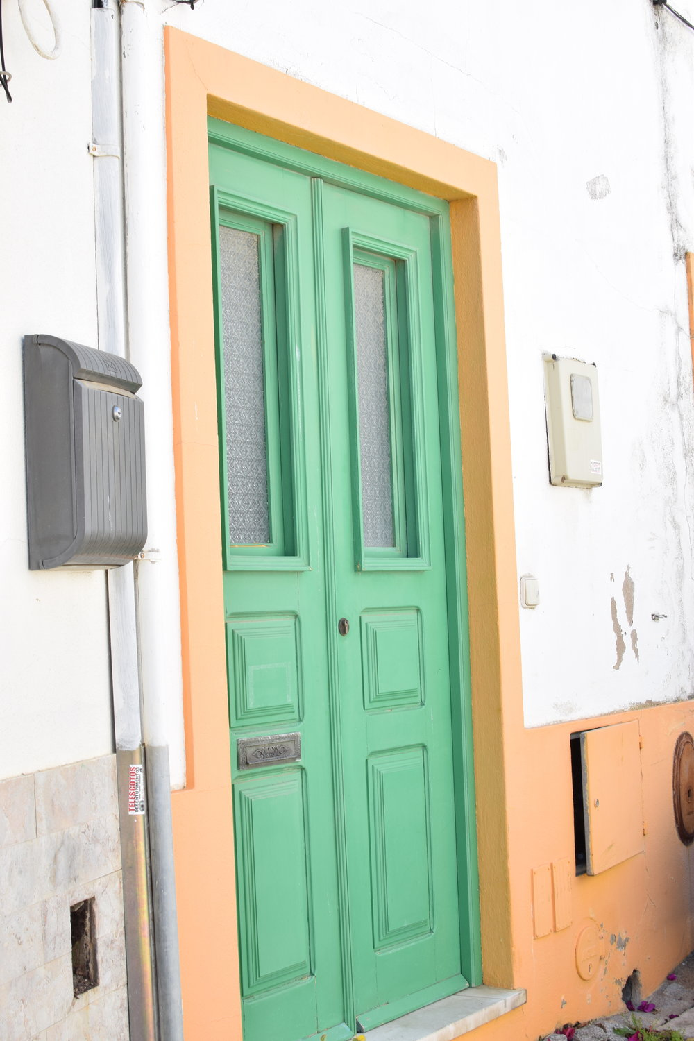 Orange + Green door | Finding colour inspiration in Lagos, Portugal | Soi 55 Travels8.JPG