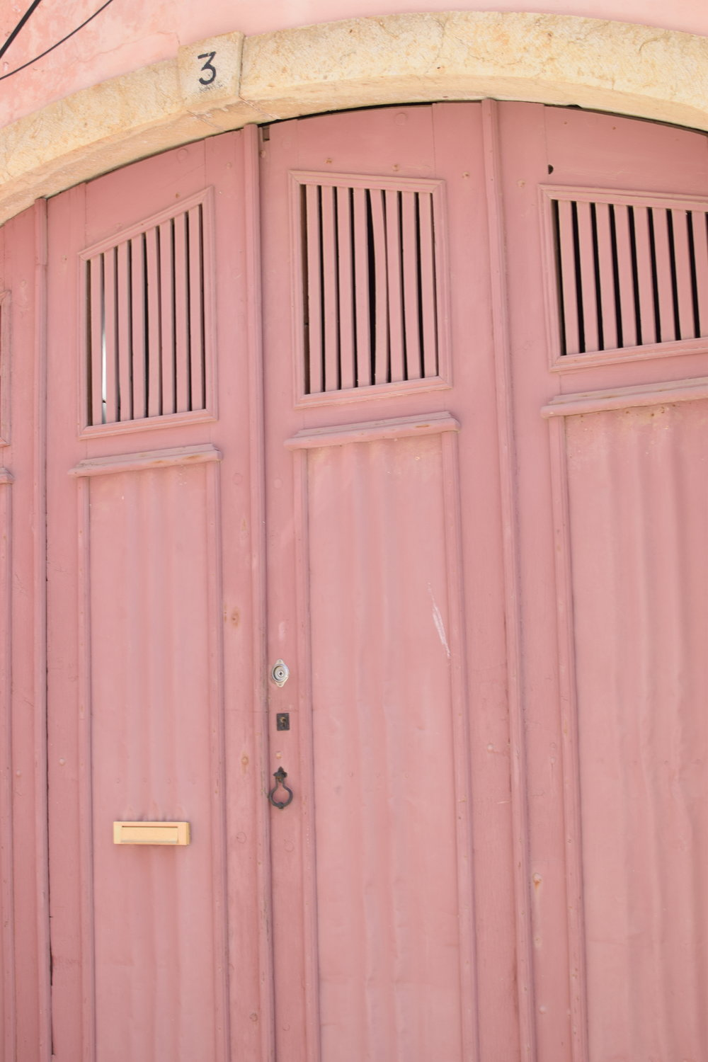 Pink door  | Finding colour inspiration in Lagos, Portugal | Soi 55 Travels8.JPG