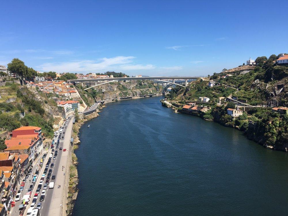 Porto-travel-guide-douro-river.jpg