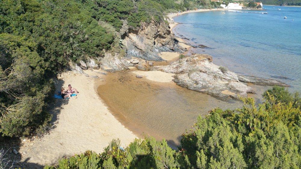 Secret-beaches-portugal.jpg