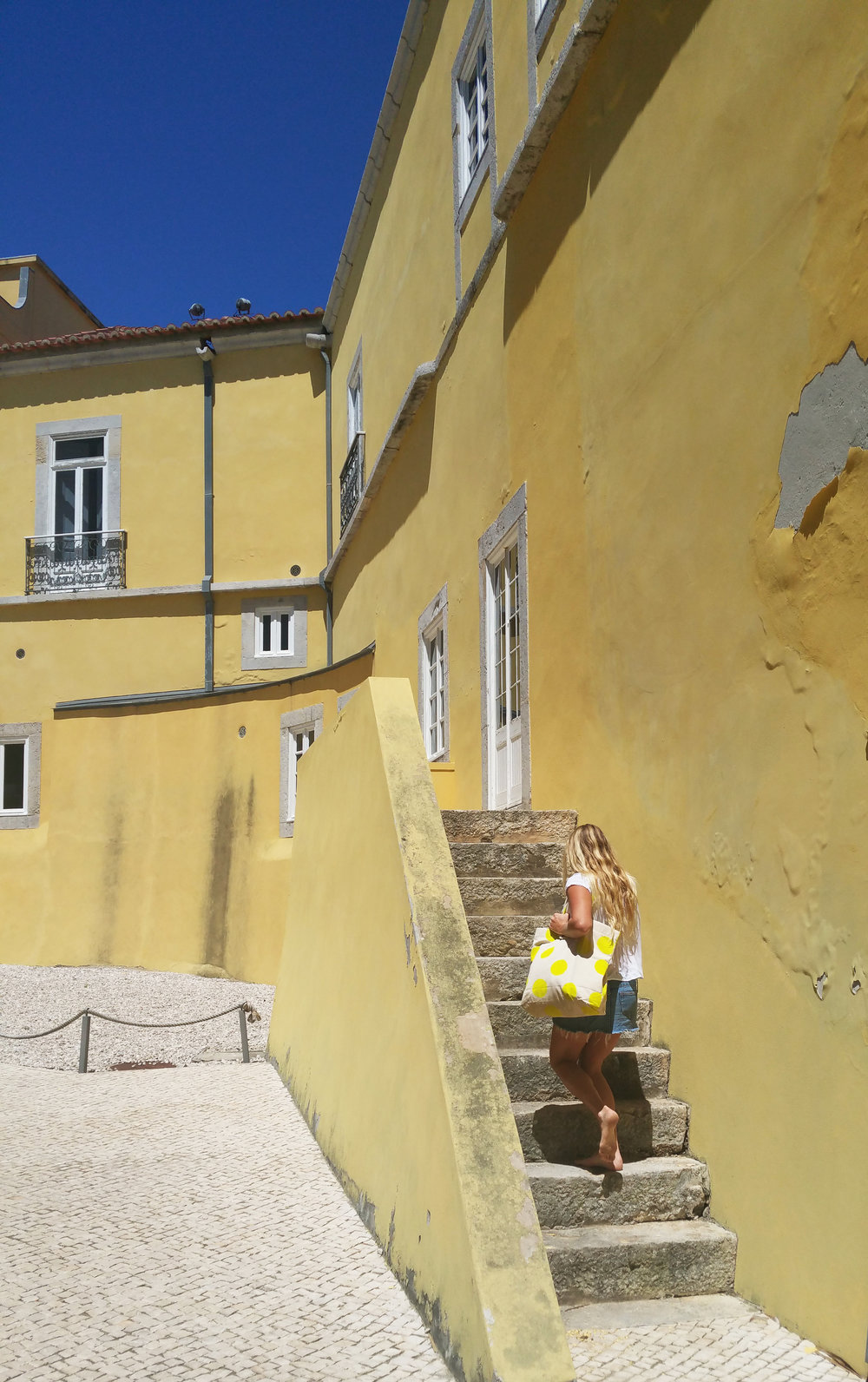 Yellow-building-cascais.jpg