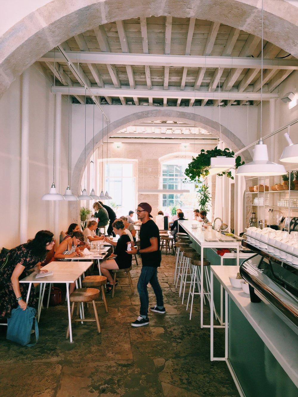 best-cafes-lisbon.jpg