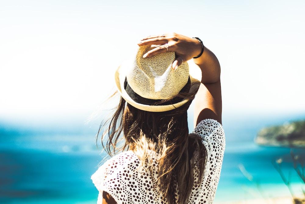 girl-in-straw-hat -summer.jpg