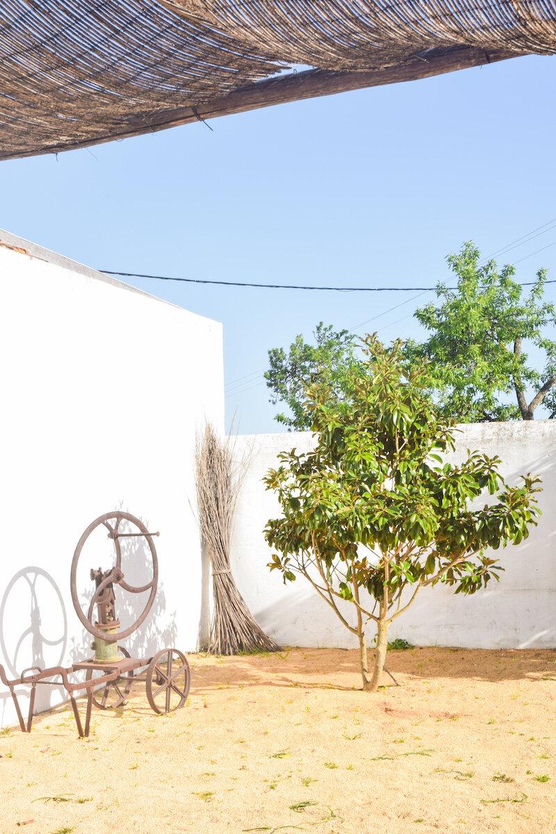 morgado-do-quintao-courtyard.jpg