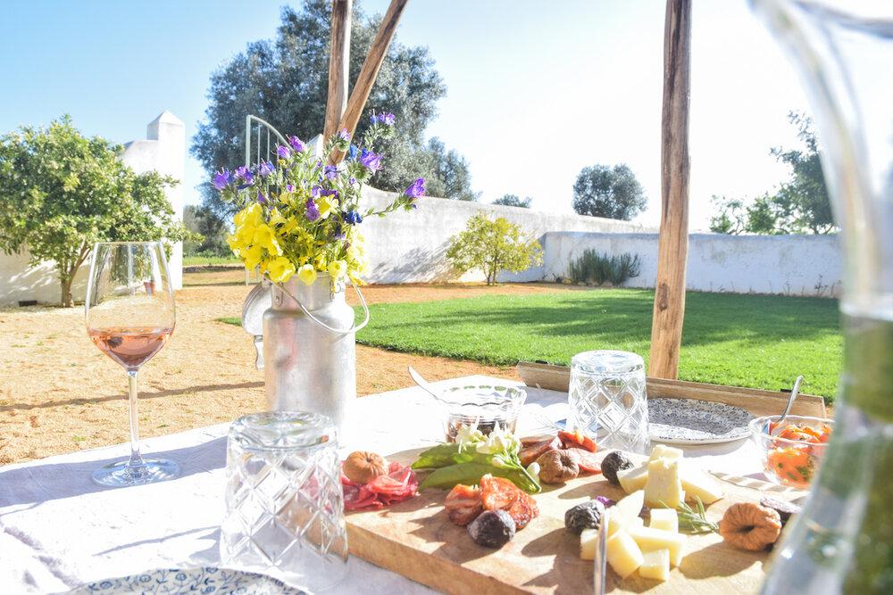 table-setting-wine-tasting.jpg