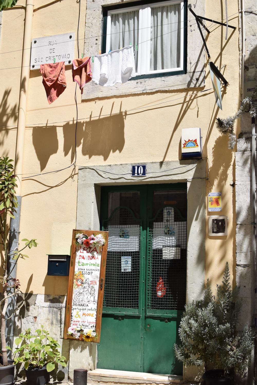 yellow-house-Alfama-Lisbon.JPG