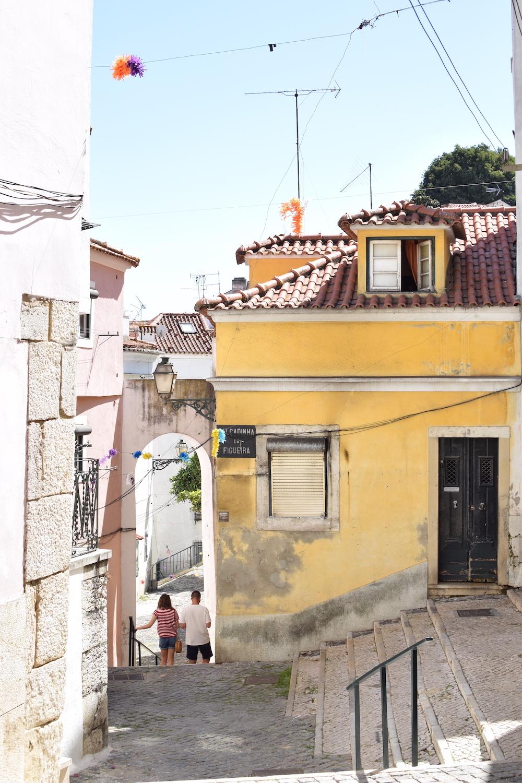 yellow-house-libon-streets.JPG